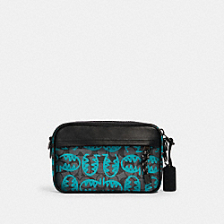 COACH 2526 - GRAHAM CROSSBODY IN SIGNATURE CANVAS WITH REXY BY GUANG YU QB/GRAPHITE BLUE GREEN