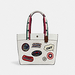 COACH 2539 - COACH │ MARVEL JES TOTE IN SIGNATURE CANVAS WITH PATCHES SV/CHALK MULTI