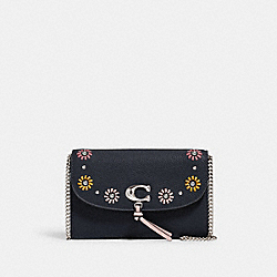 REMI CHAIN CROSSBODY WITH WHIPSTITCH DAISY APPLIQUE - 2626 - SV/MIDNIGHT