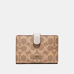 COACH 33034 - MEDIUM CORNER ZIP WALLET IN COLORBLOCK SIGNATURE CANVAS B4/TAN CHALK