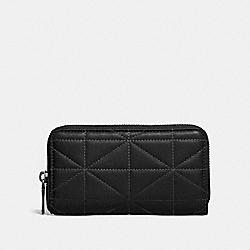 COACH 34589 Zip Around Phone Wallet With Quilting BLACK/GLADE