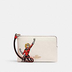 COACH 3586 Coach │ Marvel Corner Zip Wristlet With Carol Danvers IM/CHALK MULTI