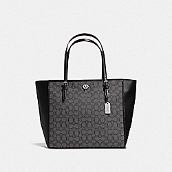 COACH 36932 Turnlock Tote In Signature Jacquard SV/BLACK SMOKE/BLACK
