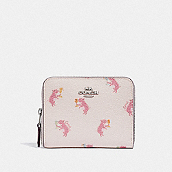 COACH 38906 Small Zip Around Wallet With Party Pig Print SV/CHALK