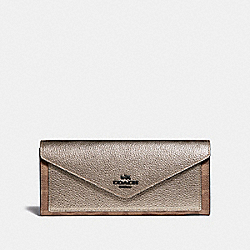 COACH 40040 - SOFT WALLET IN COLORBLOCK SIGNATURE CANVAS TAN/PLATINUM/PEWTER