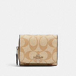 SMALL TRIFOLD WALLET IN SIGNATURE CANVAS - 41302 - SV/LIGHT KHAKI/SLATE