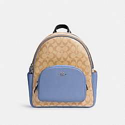 COURT BACKPACK IN SIGNATURE CANVAS - 5671 - SV/LT KHA/PERIWINKLE