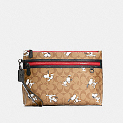 COACH 5734 - COACH X PEANUTS CARRYALL POUCH IN SIGNATURE CANVAS WITH SNOOPY PRINT QB/KHAKI MULTI