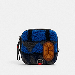 COACH 5799 - SQUARE HYBRID POUCH WITH GEO PRINT AND COACH PATCH QB/BLUE MULTI