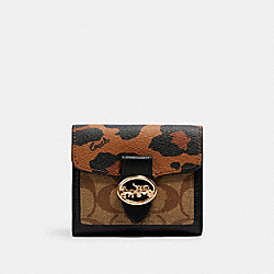 COACH 6260 - GEORGIE SMALL WALLET IN SIGNATURE CANVAS WITH LEOPARD PRINT IM/LIGHT SADDLE/ KHAKI MULTI