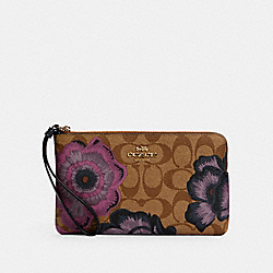 LARGE CORNER ZIP WRISTLET IN SIGNATURE CANVAS WITH KAFFE FASSETT PRINT - 6285 - IM/KHAKI PURPLE MULTI