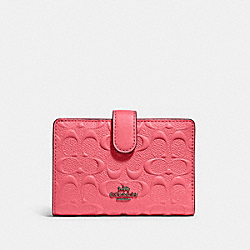 MEDIUM CORNER ZIP WALLET IN SIGNATURE LEATHER - 67565 - QB/PINK LEMONADE