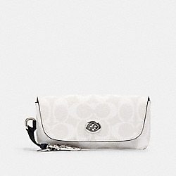 COACH 73639 Sunglass Case In Signature Canvas SV/CHALK