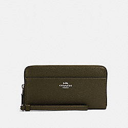 COACH 76517 - ACCORDION ZIP WALLET WITH WRISTLET STRAP SV/CARGO GREEN