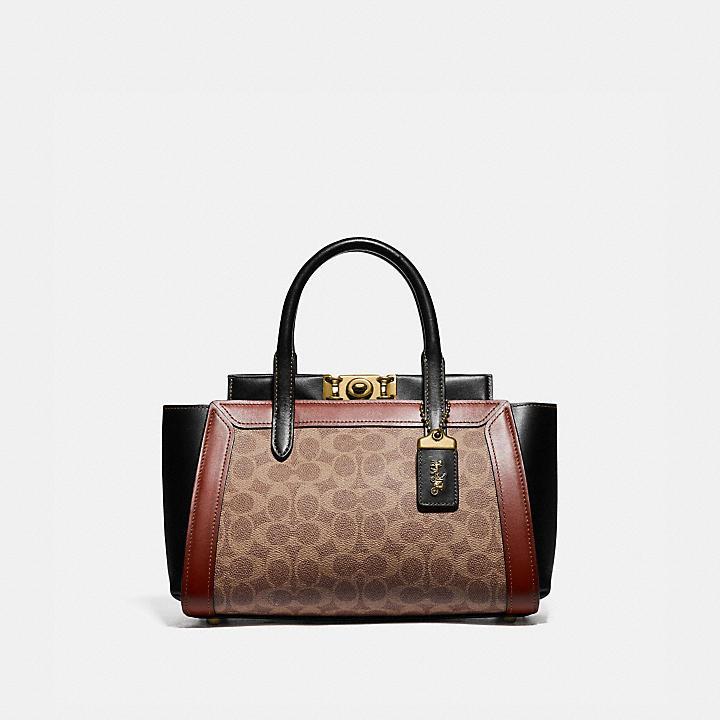 50代女性にぴったりCOACH(コーチ)のレディースバッグ