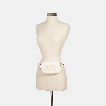 コーチ公式アウトレット | コンバーチブル ベルト バッグ ウィズ ホース アンド キャリッジ | ミニバッグ/ボディバッグ/ベルトバッグ