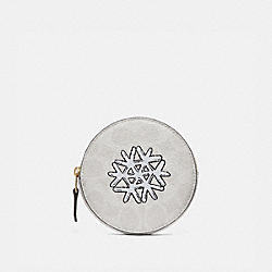 COACH 87644 - ROUND COIN CASE IN SIGNATURE CANVAS WITH SNOWFLAKE MOTIF B4/IVORY CHALK