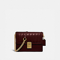 HUTTON SHOULDER BAG WITH QUILTING - 89066 - BRASS/CRANBERRY