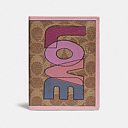 COACH 89556 - PASSPORT CASE IN SIGNATURE CANVAS WITH LOVE PRINT B4/TAN PINK MULTI