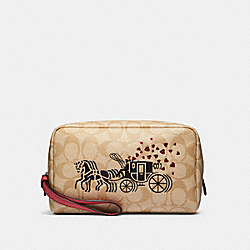COACH 91062 Boxy Cosmetic Case In Signature Canvas With Horse And Carriage Hearts Motif SV/LIGHT KHAKI MULTI/POPPY
