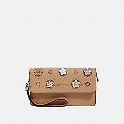 FOLDOVER WRISTLET WITH DAISY APPLIQUE - 91795 - IM/TAUPE MULTI