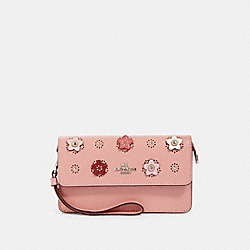 COACH 91795 Foldover Wristlet With Daisy Applique SV/LIGHT BLUSH MULTI