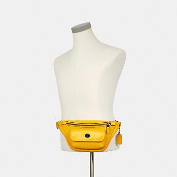 コーチ公式アウトレット   *ヘリテージ ベルト バッグ   ミニバッグ/ボディバッグ/ベルトバッグ