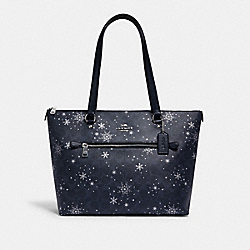 GALLERY TOTE IN SIGNATURE CANVAS WITH SNOWFLAKE PRINT - C1772 - SV/MIDNIGHT MULTI