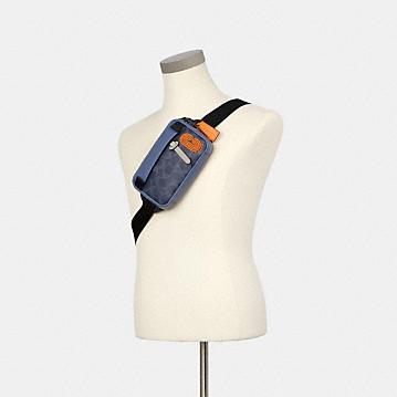 コーチ公式アウトレット   ミニ エッジ ベルト バッグ カラーブロック シグネチャー キャンバス   ミニバッグ/ボディバッグ/ベルトバッグ