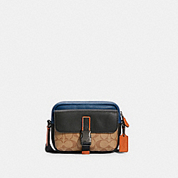 TRACK POUCH CROSSBODY IN COLORBLOCK SIGNATURE CANVAS - C3136 - QB/KHAKI TRUE BLUE MULTI