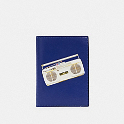 PASSPORT CASE WITH 80'S BOOMBOX GRAPHIC - QB/INDIGO MULTI - COACH C3177