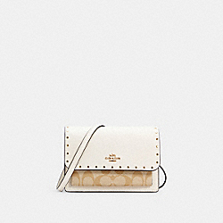 FOLDOVER BELT BAG IN SIGNATURE CANVAS WITH RIVETS - C3326 - IM/LIGHT KHAKI MULTI