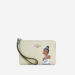 COACH C3362 Disney X Coach Corner Zip Wristlet With Tiana SV/WASHED GREEN MULTI