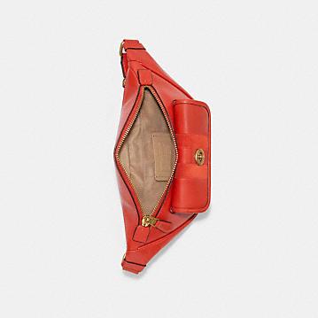 コーチ公式アウトレット   ヘリテージ ベルト バッグ ウィズ ストライプ   ミニバッグ/ボディバッグ/ベルトバッグ