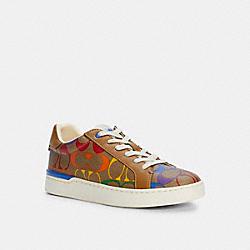 COACH C5136 Clip Low Top Sneaker In Rainbow Signature Canvas RAINBOW SIGNATURE