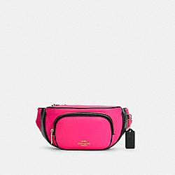 COURT BELT BAG IN COLORBLOCK - C6077 - IM/FLUORESCENT PINK