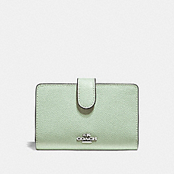 COACH F11484 - MEDIUM CORNER ZIP WALLET PALE GREEN/SILVER