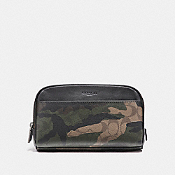 OVERNIGHT TRAVEL KIT IN SIGNATURE CAMO COATED CANVAS - f12008 - MAHOGANY/DARK GREEN CAMO