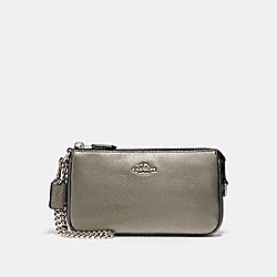 COACH LARGE WRISTLET 19 IN METALLIC PEBBLE LEATHER - SILVER/GUNMETAL - F20151