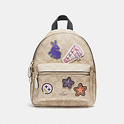 MINI CHARLIE BACKPACK IN SIGNATURE COATED CANVAS WITH VARSITY PATCHES - f20909 - LIGHT GOLD/LIGHT KHAKI