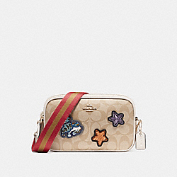 CROSSBODY POUCH IN SIGNATURE COATED CANVAS WITH VARSITY PATCHES - f20963 - LIGHT GOLD/LIGHT KHAKI