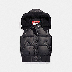 COACH F20985 - SOLID  CAMO VARSITY PUFFER VEST BLACK/RED