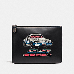 COACH MEDIUM POUCH WITH CAR - BLACK - F21382
