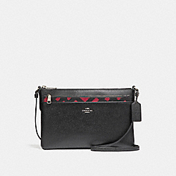 EAST/WEST CROSSBODY WITH POP-UP POUCH WITH WILD PLAID PRINT - f22251 - SVMRT