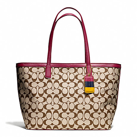 COACH F23107 WEEKEND PRINTED SIGNATURE ZIP TOP TOTE ONE-COLOR