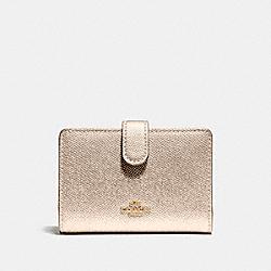 COACH F23256 Medium Corner Zip Wallet LIGHT GOLD/PLATINUM