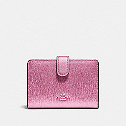 MEDIUM CORNER ZIP WALLET - F23256 - METALLIC BLUSH/SILVER