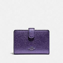 COACH F23256 - MEDIUM CORNER ZIP WALLET METALLIC PERIWINKLE/SILVER
