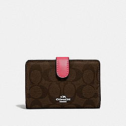 COACH F23553 - MEDIUM CORNER ZIP WALLET IN SIGNATURE CANVAS BROWN/STRAWBERRY/IMITATION GOLD