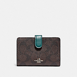 MEDIUM CORNER ZIP WALLET IN SIGNATURE CANVAS - F23553 - BROWN/DARK TURQUOISE/LIGHT GOLD